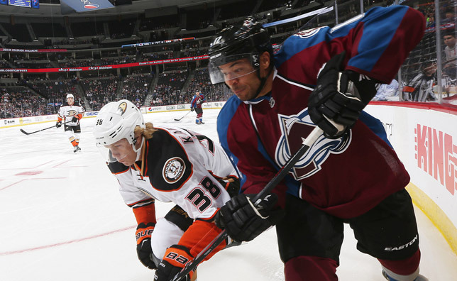 http://3.cdn.nhle.com/avalanche/images/upload/2014/09/Iginla_ANA_092214_1_MM_DL.jpg