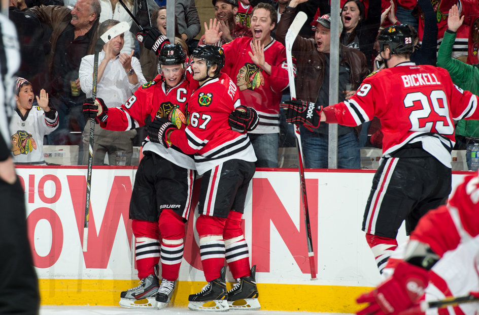 jonathan toews celebrating