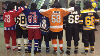 "The ""Traveling Jagrs"" in Philadelphia."
