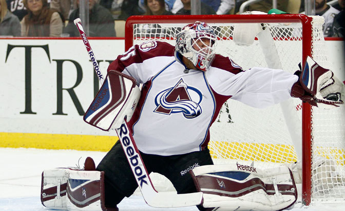 Avalanche goalie Giguere to retire: report